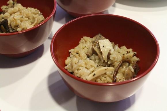 ③地キノコのイタリアン炊き込みご飯(城戸ワイン蒸し)